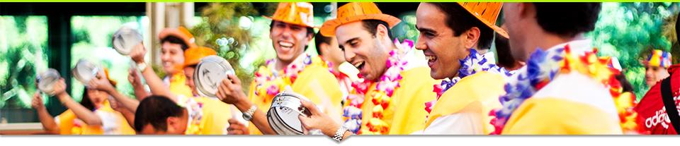 A alegria é marca registrada da Escola de Samba Corporativa